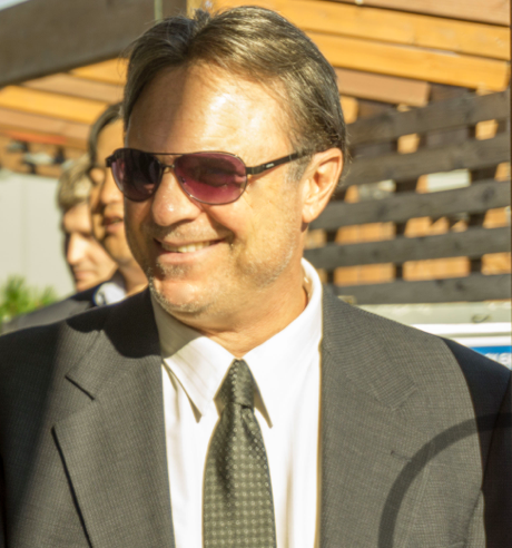 Guy_in_suit_2014.png